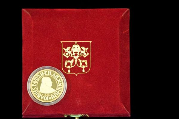 Pope John Paul II: Gold Commemorative Coin,  2001