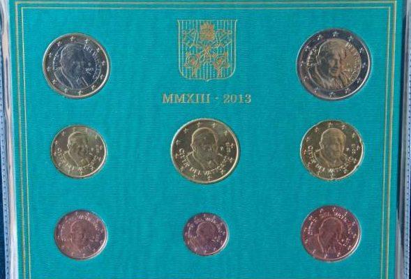 Pope Benedict XVI:  2013 Euro Coin Set