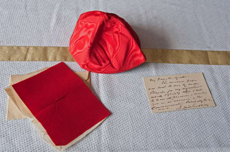 Zuchetto, Note and Cloth