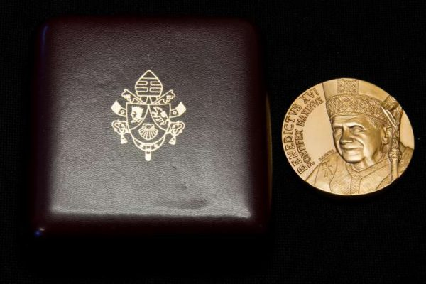 Commemorative Medal and Case of Benedict XVI