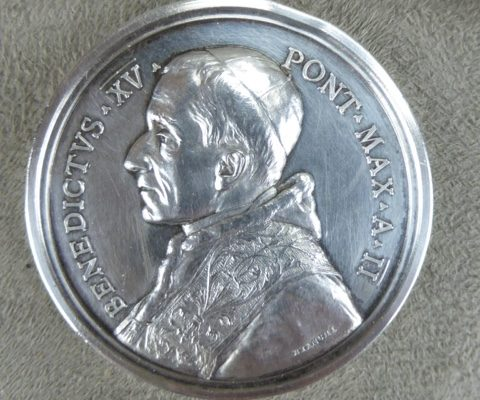 Annual  Medal from 1914 with coat of arms of Pope Benedict XV