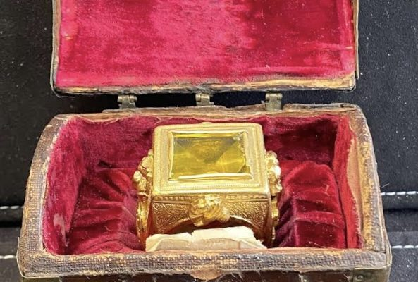 Pope Pius II: A Papal Ring Given to a Representative of the Pope