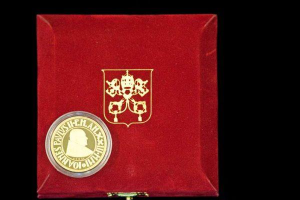 Pope John Paul II: Gold Commemorative Coin,  2001