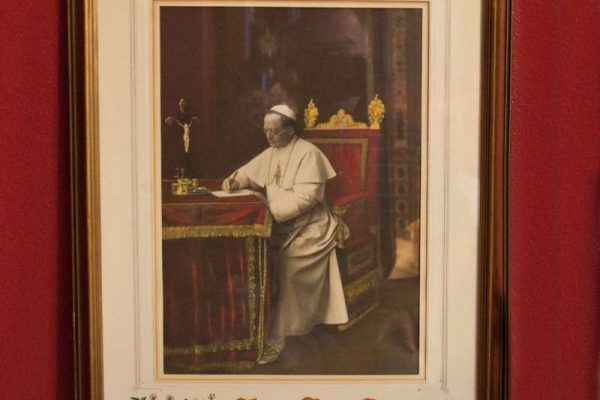 Ornate Framed Autographed Blessing of Pope Pius XI