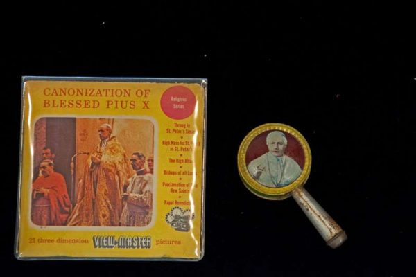 Party Favor With The Image of St. Pius X