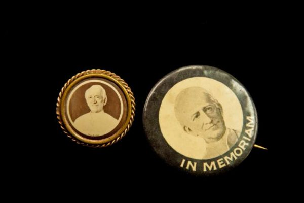 Pins With Image of Pope Leo XIII