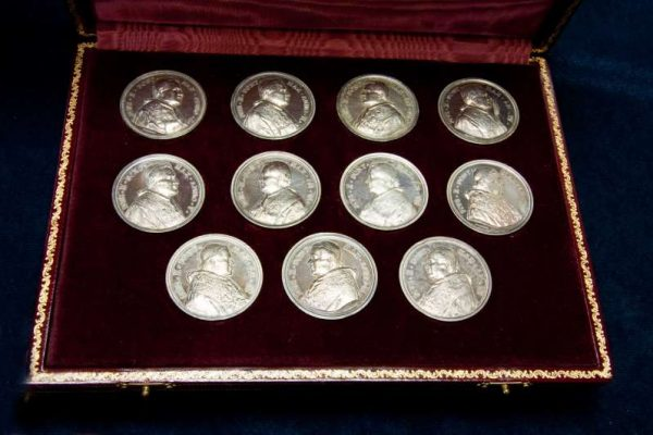 Complete Series of Annual Medals in a Presentation Case from the Pontificate of St. Pius X