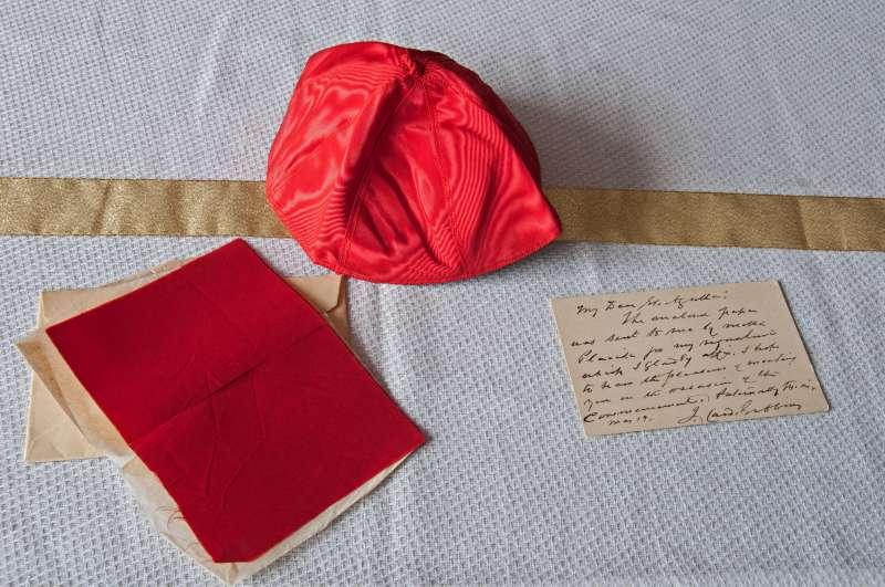 Zuchetto, Note and Cloth