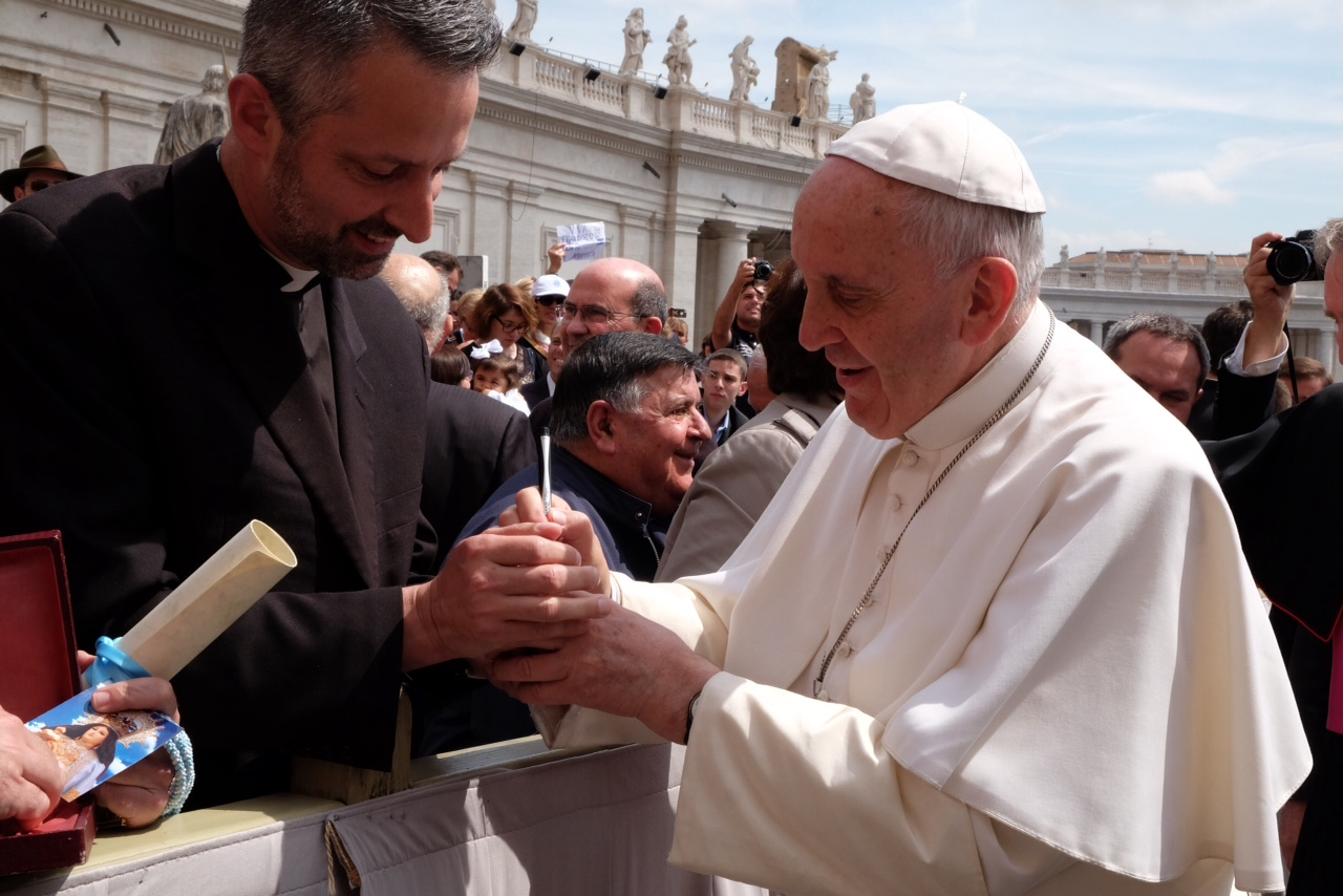 Fr Richard Kunst and Pope Francis 3