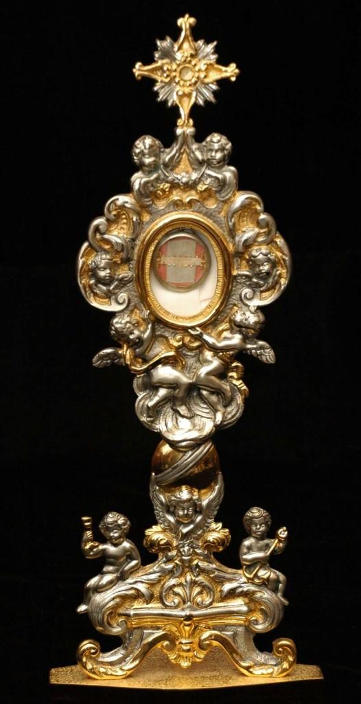 Reliquary Containing a Portion of Original White Cassock of St. Pius V
