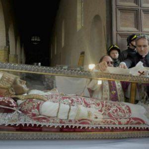 Pope Benedict XVI at the tomb of Pope Saint Celestine V